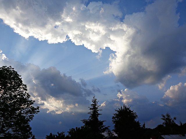 sky-2369230__480